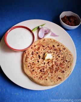 Aloo Pyaz Ka Paratha
