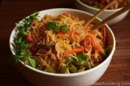 Thai Ginger Garlic Noodle Bowl
