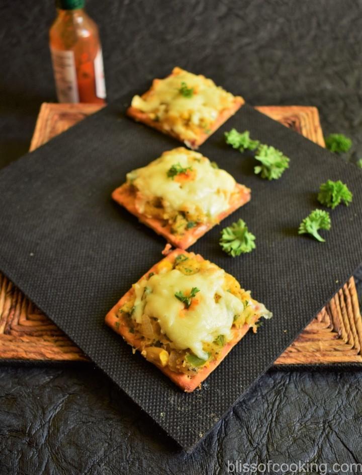 Baked Sweet Corn Crackers