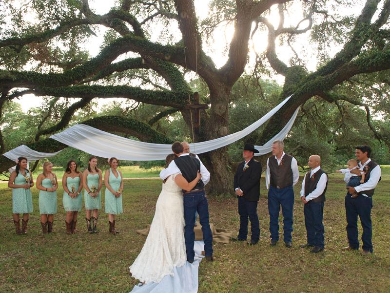 blogA Wild West Wedding at BlissWood