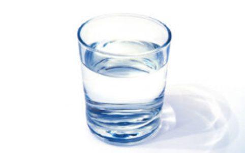 Bergamo, 5 euro per un bicchiere di acqua in un locale