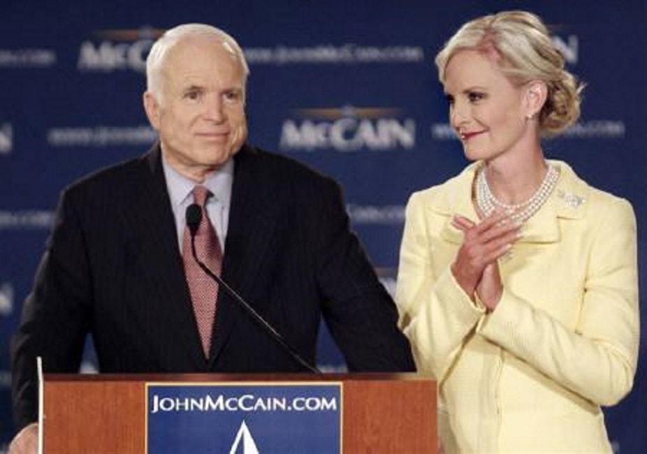 Cindy McCain vedova di John al seggio vacante da senatore in Arizona