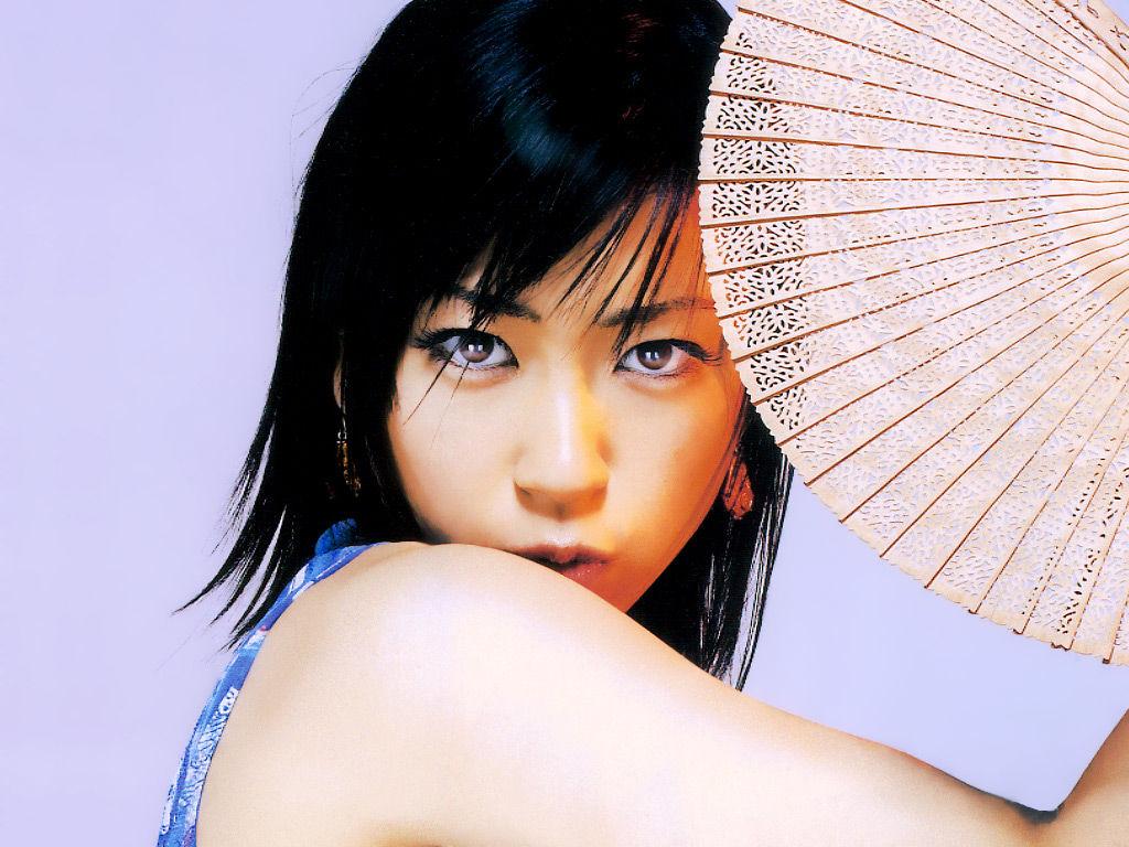 Giappone la popstar Utada Hikaru sposa Francesco Calliano barman pugliese  Blitz quotidiano