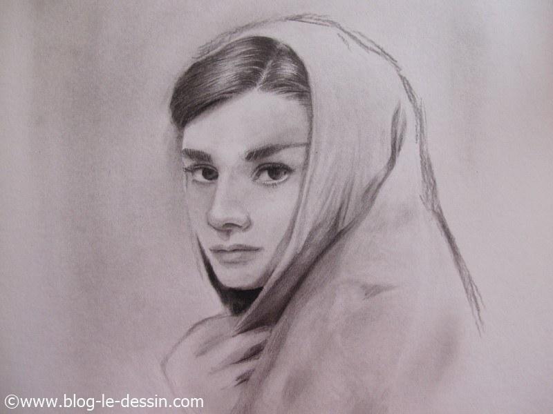 illustration suite esquisse audrey epburn portrait fusain
