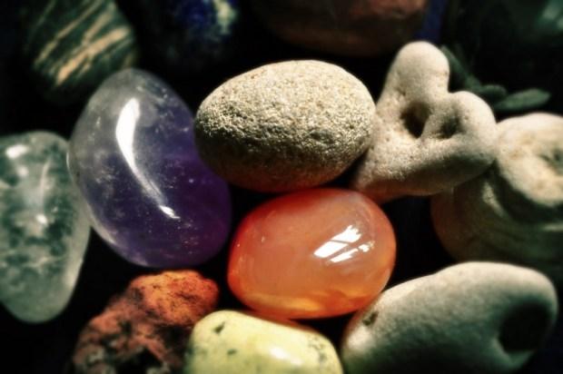 Lithomancie, divination par les pierres