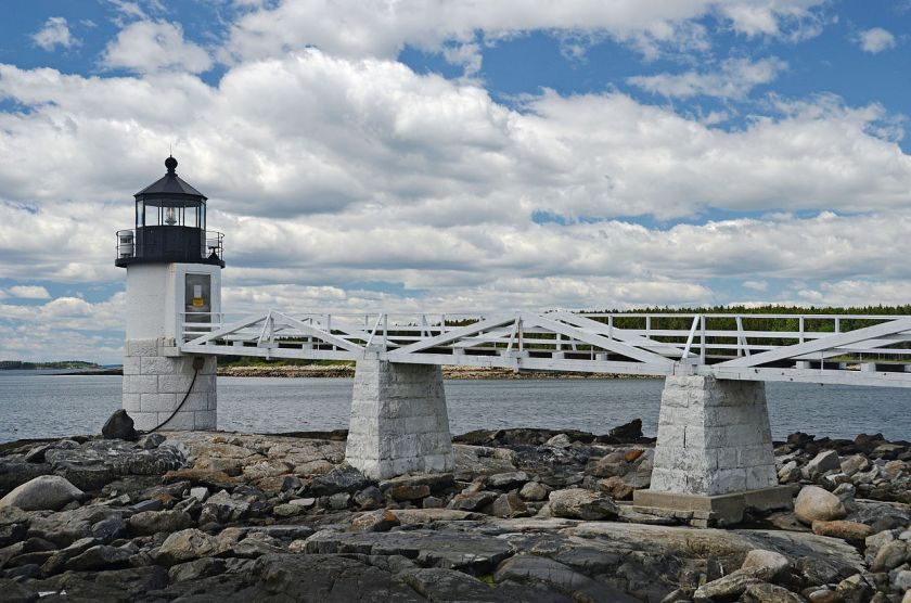 Marshall_Point_Lighthouse_Side_2
