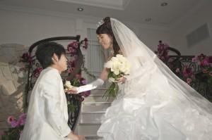 福岡 フォトスタジオ 前撮り ロケ撮 結婚式の写真 スナップ撮影 ブライダルアルバム ウエディングフォト 0358