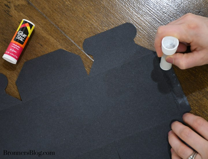 Glue DIY Graduation Gift Box