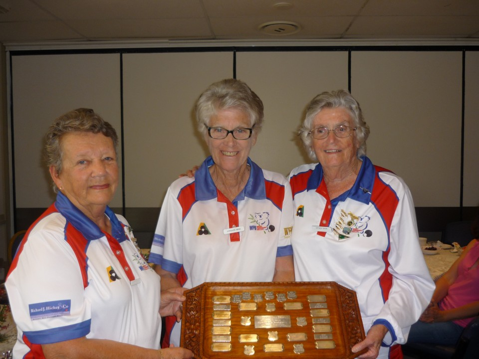 Lorraine Begg and Wendy Wise were presented with the Pairs trophy by Past President Jeanette Egan.