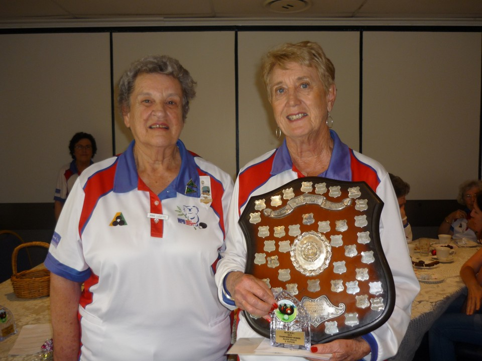 Denise Hopkins was presented with the Major Singles trophy by current President Anne Lucietto.
