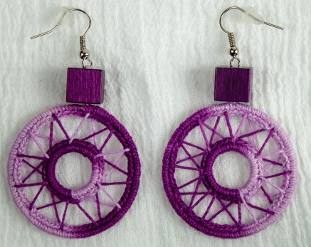 Fuchsia circle hand crocheted earrings with wooden block by maria.n.design