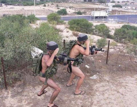 Two Naked Soldiers - GiveMeSomeEnglish!!!