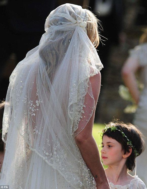 Robe de mariee style kate moss