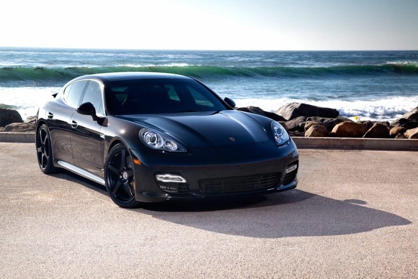 qVfLBHfRkqxflDyCrTgN_Porsche_Panamera