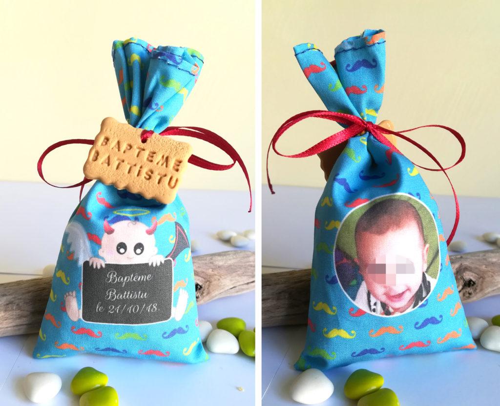 sachet de dragées thème mi-ange/mi-démon, tissu personnalisé photo et texte, bleu