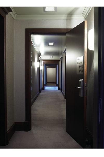 Ideas para iluminar un pasillo de forma sencilla Lamparases