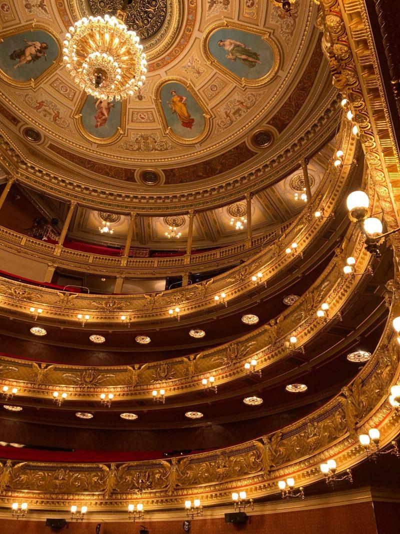 プラハ、国民劇場