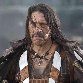 Danny Trejo, cortando rabo, orejas y cabezas en Machete