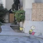 Obra reciente de Banksy en un edificio que sufrió un incendio, en Los Ángeles