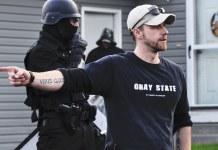 David Crowley trabajó obsesivamente en Gray State