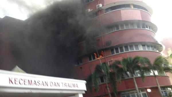 hospital-terbakar
