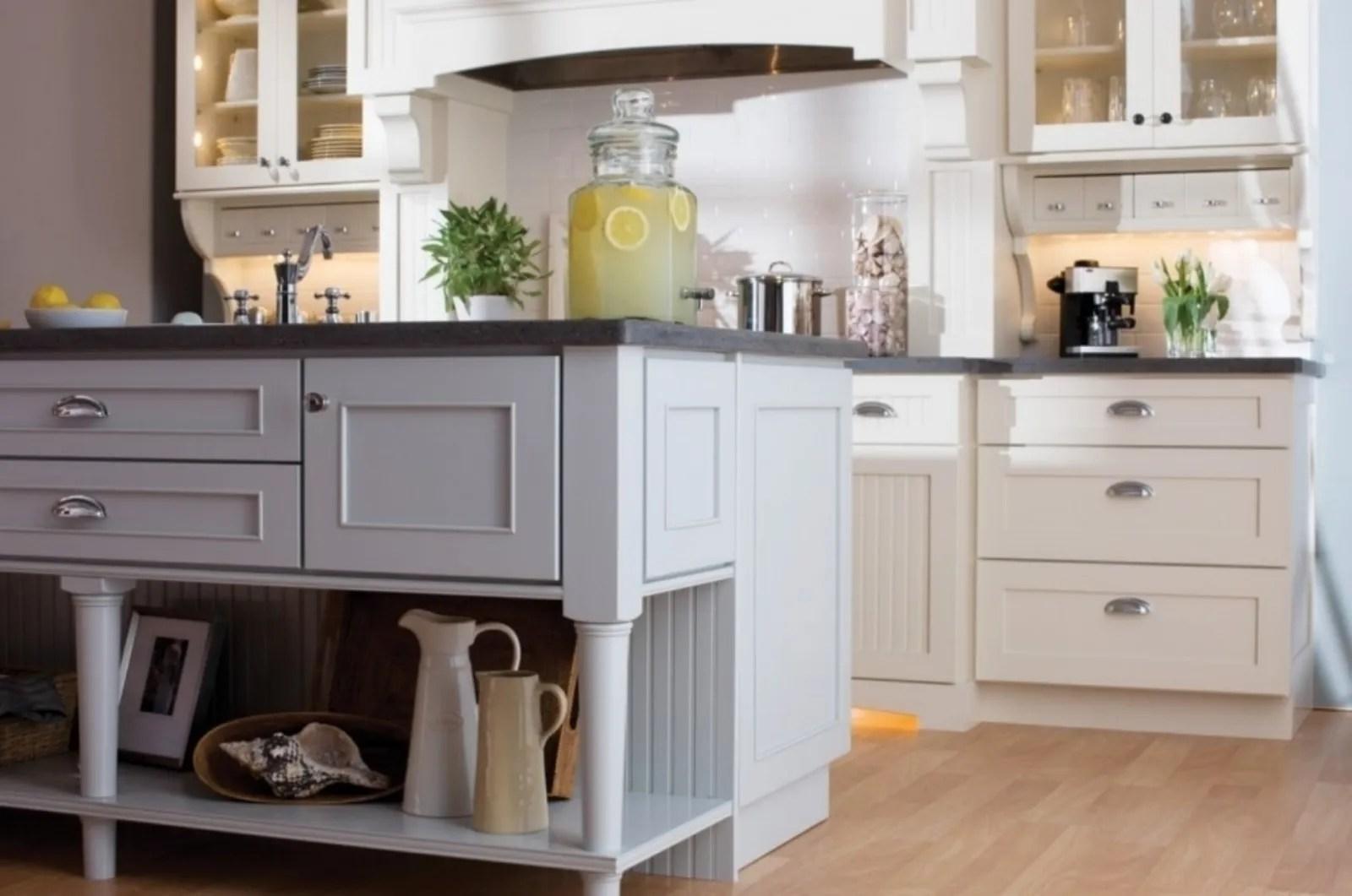 4.3 cucine shabby chic di colore bianco ester di aurora; Cucina Shabby Chic