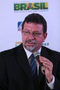 O líder do PT na Câmara dos Deputados, Afonso Florence, reuniu-se com a presidenta Dilma junto com ministros e outros parlamentares . (Foto: Arquivo)
