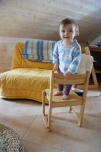 Sur la chaise...
