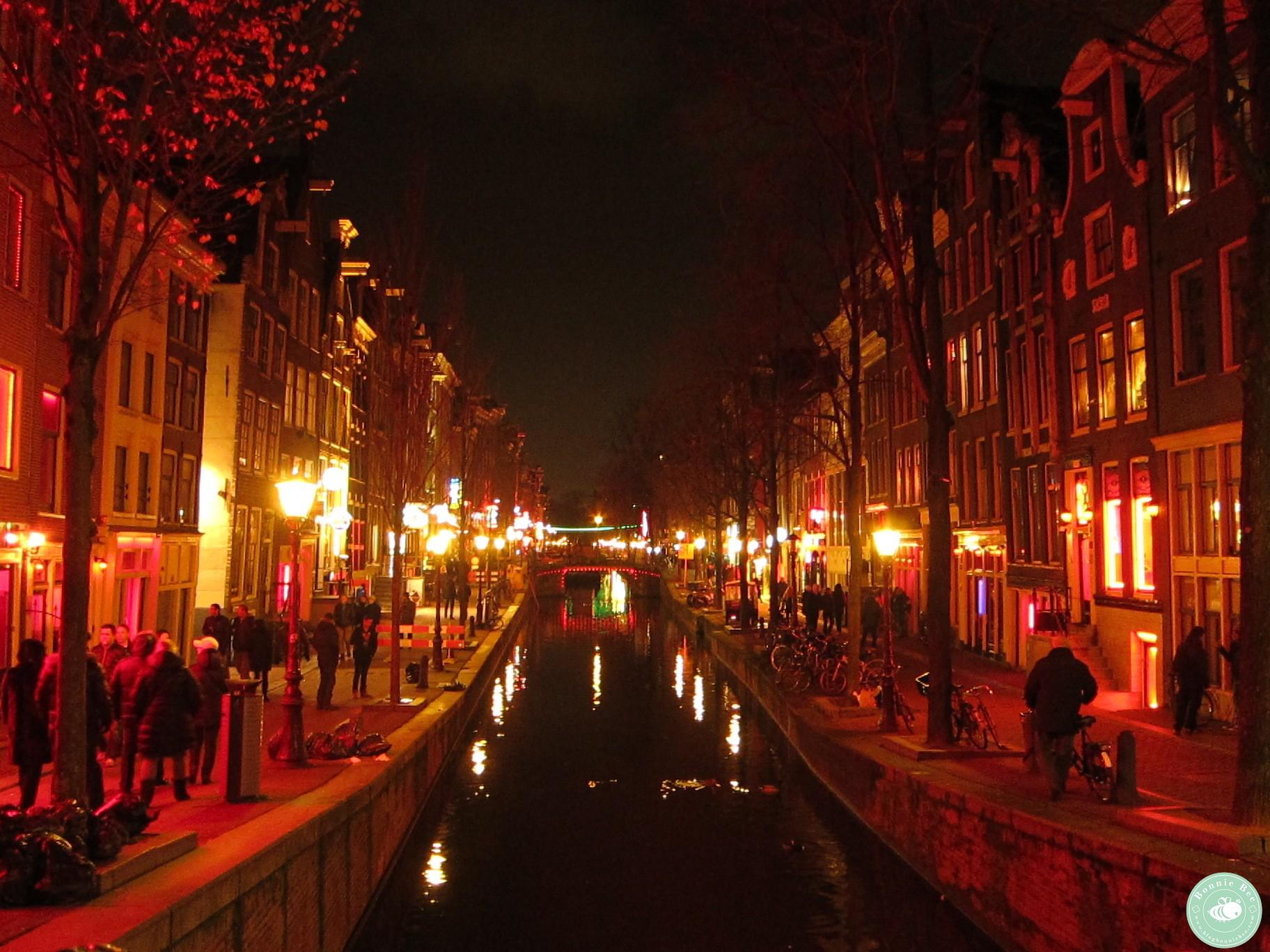 荷蘭阿姆斯特丹臉紅紅紅燈區的故事(中)開始巡禮 | 蜜蜂邦妮 @ The Beautiful World