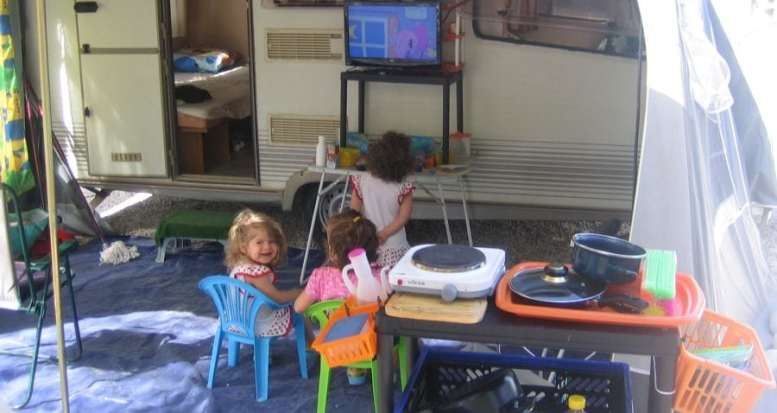 niños-de-camping-paraiso
