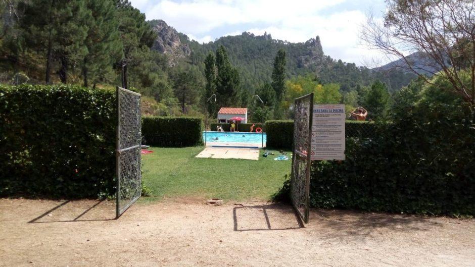 piscina-camping-riomundo