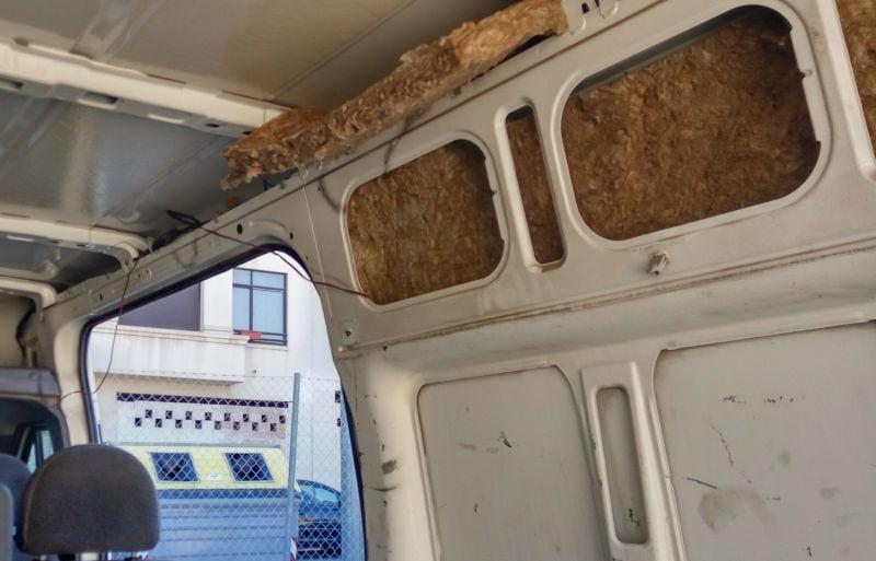 aislando-la-furgoneta-lana-roca