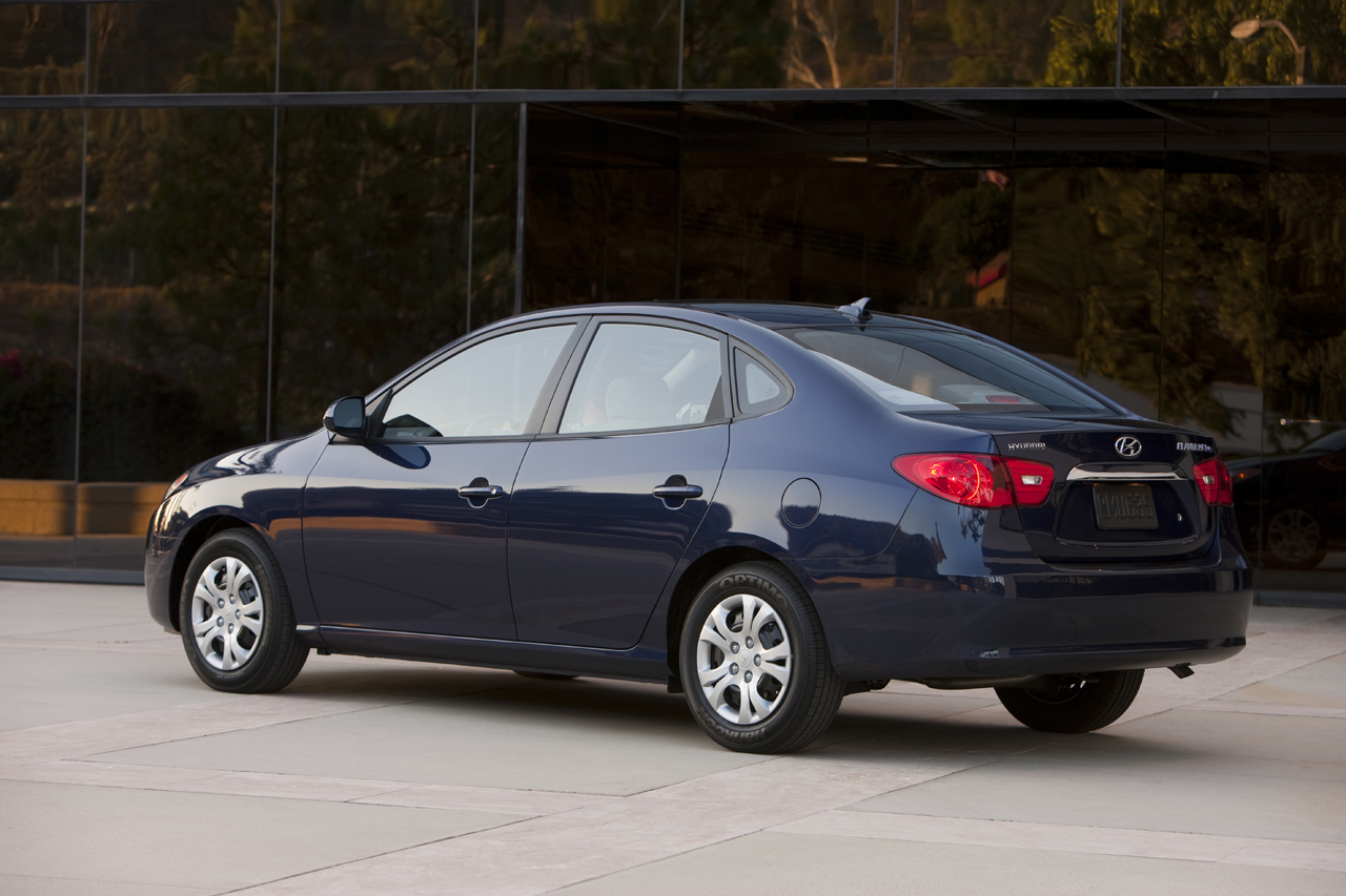 hight resolution of hyundai ecomods the 2010 elantra mpg up by 8 city 6 hwy
