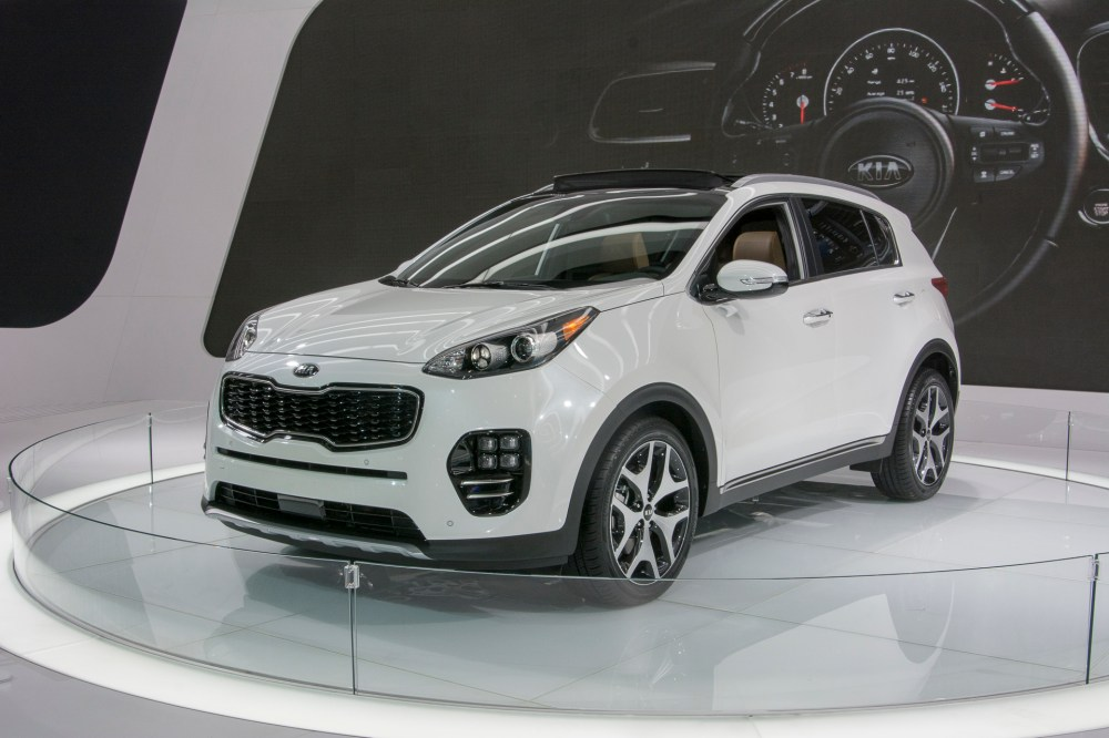 medium resolution of sportage kia 2012 kia sportage reviews and rating motor trend 2017 rh militaryhummers info curt