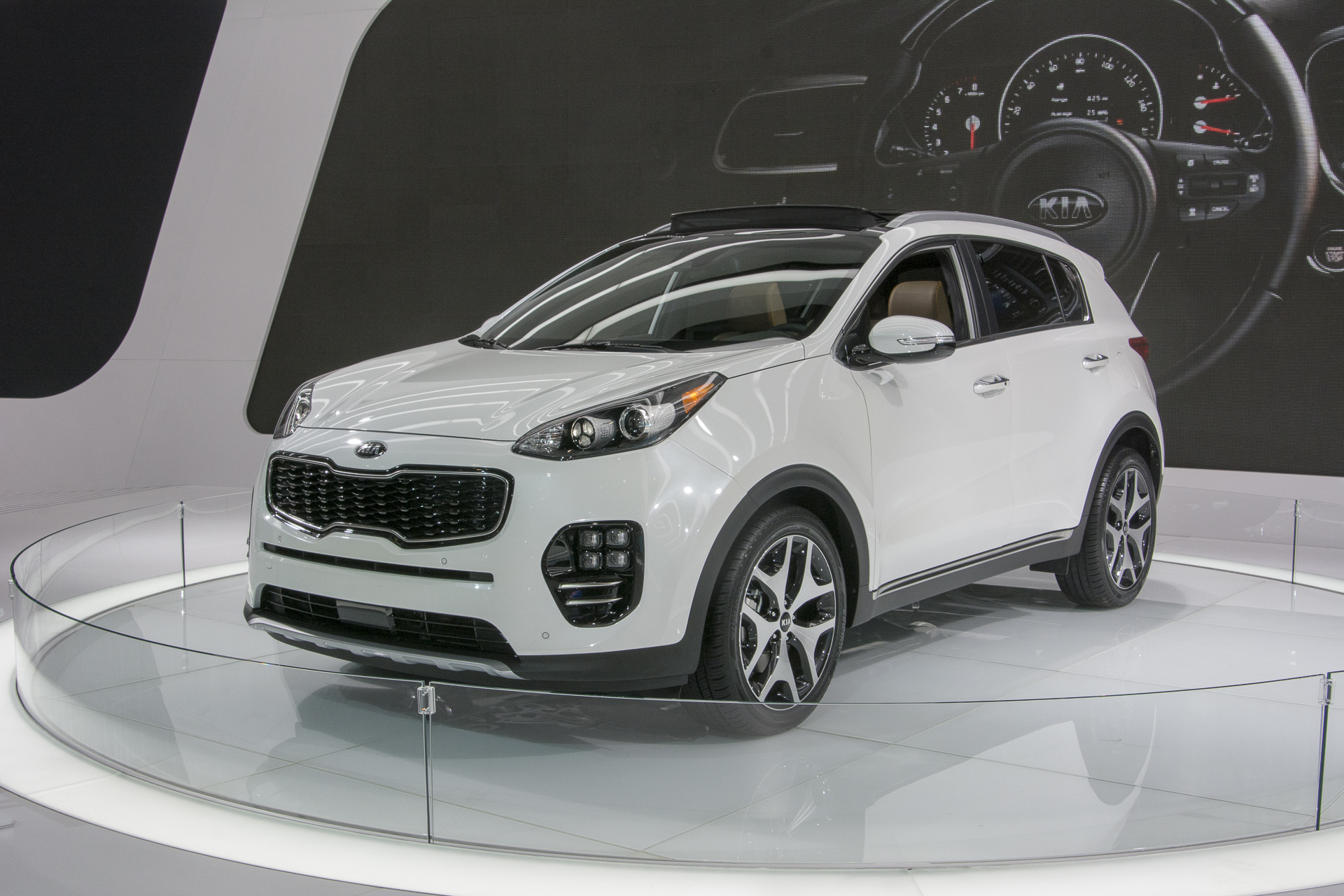 hight resolution of sportage kia 2012 kia sportage reviews and rating motor trend 2017 rh militaryhummers info curt