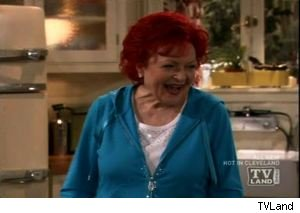 betty white dyes her hair hot red on hot in cleveland video