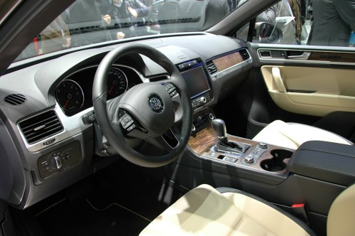 small resolution of 2011 volkswagen touareg interior