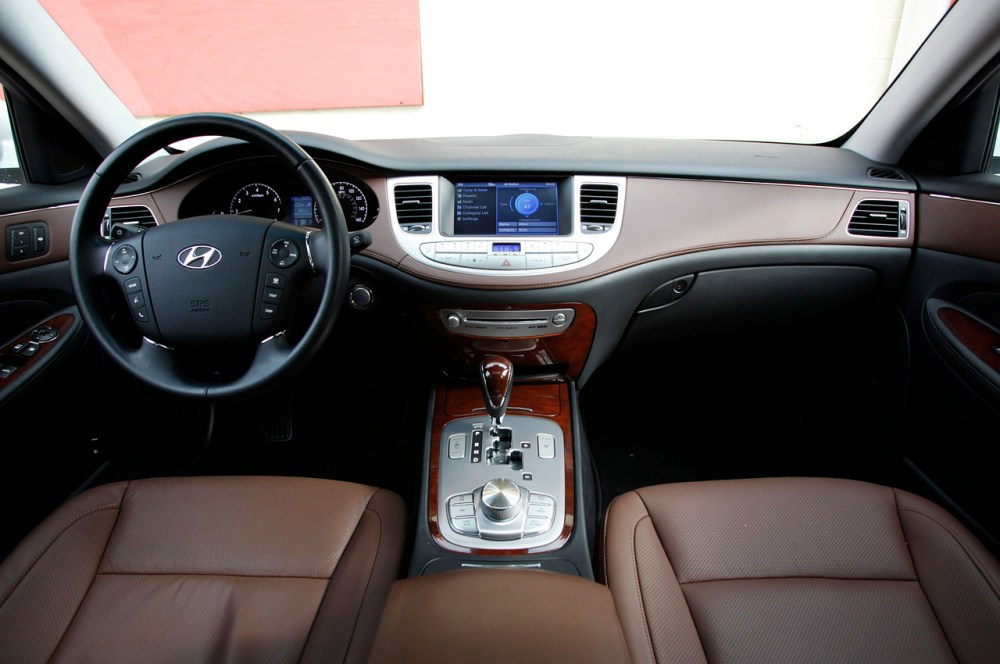 medium resolution of 2011 hyundai genesi sedan