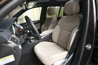 2013 Mercedes-Benz GL450 front seats