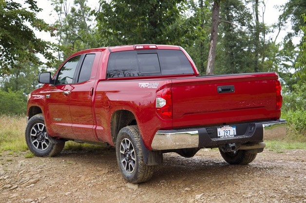 2014 Toyota Tundra rear 3/4 view