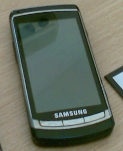 Samsung's Acme i8910 caught on film by Wile E. Coyote