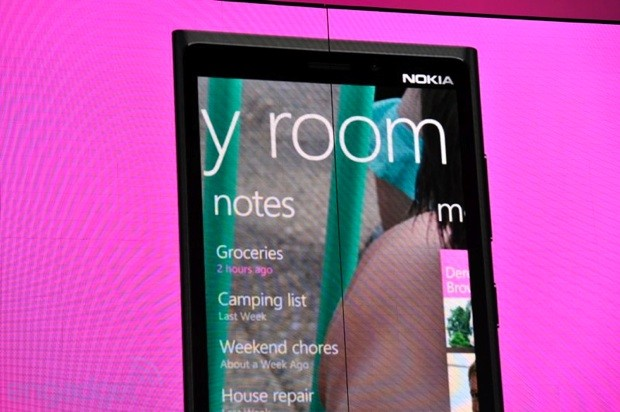 Windows Phone 8 Rooms give every group its private space