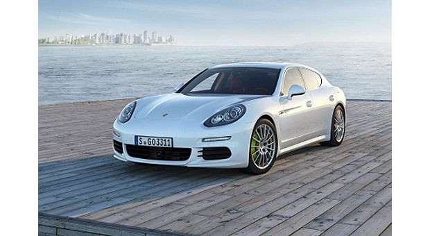 Porsche updates Panamera line with plugin hybrid