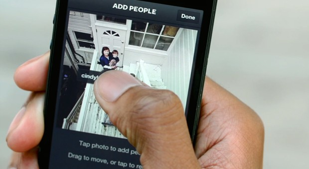 Instagram 35 lets users tag each other in photos