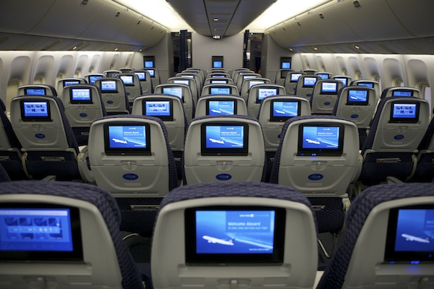 United joins American, Delta and JetBlue by allowing electronics use during takeoff, landing