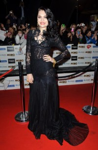 Jessie J Rules The Red Carpet (And Wins Big) At Mobo ...