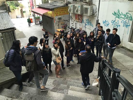 Alunos da SMU em aula externa | Foto: Smuconlaw via Wikimedia Commons