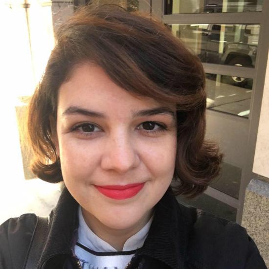 Foto: Caroline Tavares da Silva - selfie na porta de sua casa em Columbia