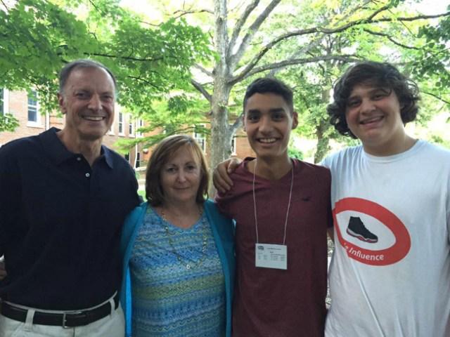 Lucas e sua familia americana | Foto: Lucas Martins