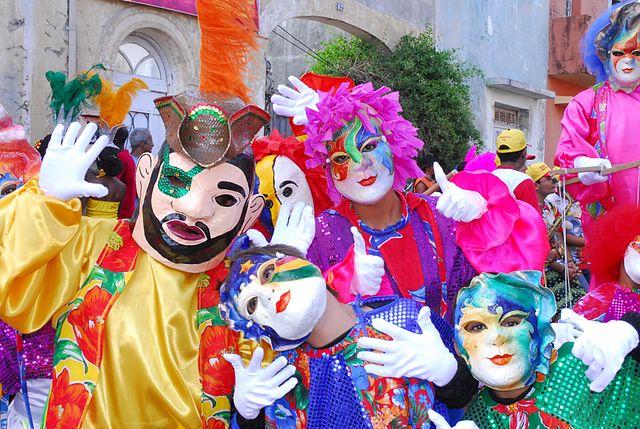 Papangus no Carnaval de Olinda, Pernambuco, Brasil | Foto: Prefeitura de Olinda, via Wikimedia Commons